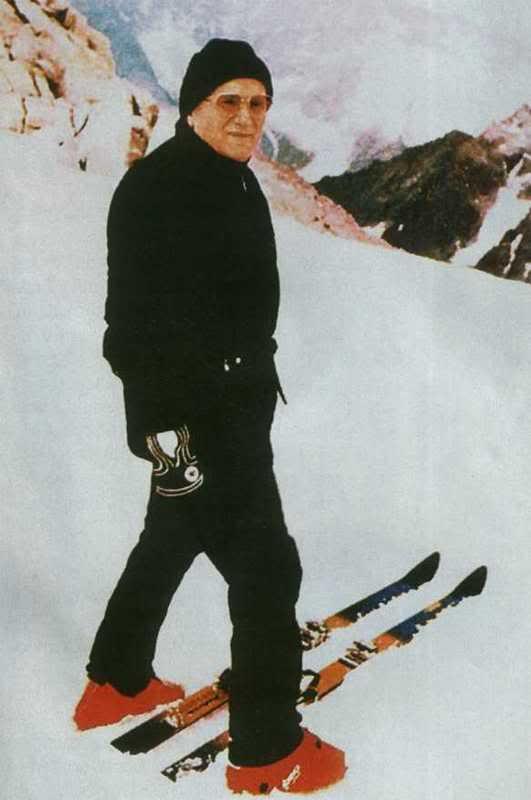 pope-skiing